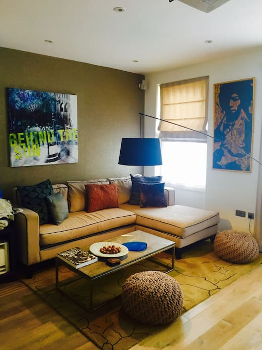 Sofa & coffee table in living room