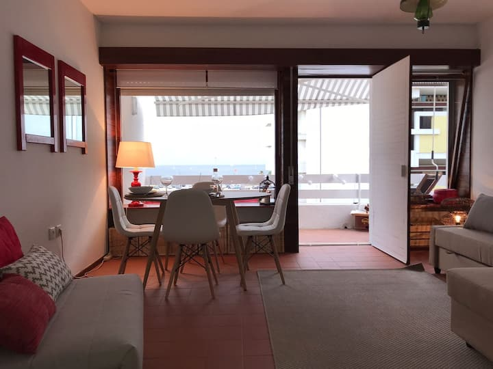 Carcavelos Beach Apartment 1
