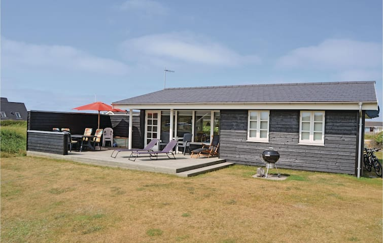 Holiday cottage with 3 bedrooms on 65m² in Vestervig