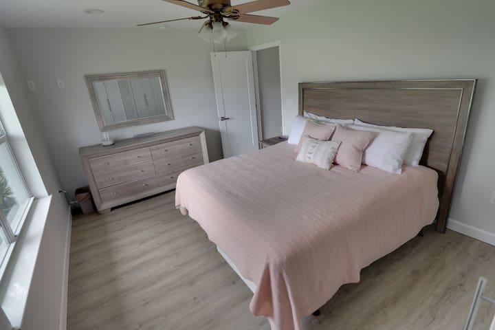 Master Bedroom w/ King Bed