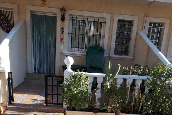 La Zenia Superb Townhouse  Beach, Boulevard & Golf