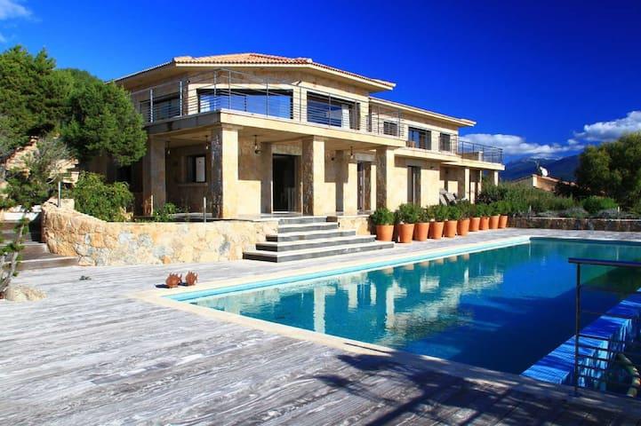 Villa with pool and sea view - Serra-di-Ferro - Apartment