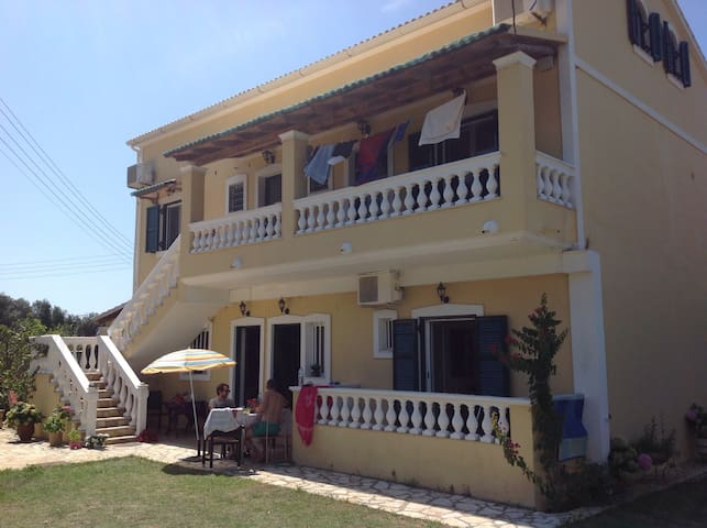 apartment 2 bedrooms aircondition prasoudibeach - Corfu - Flat