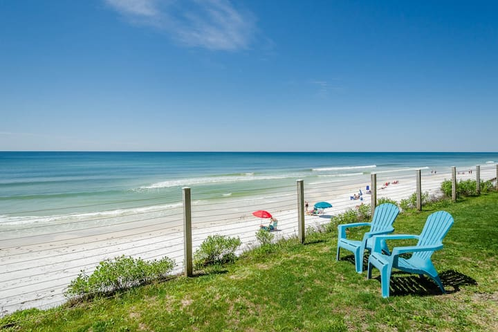 Cozy remodeled condo steps away from the gulf in Blue Mountain Beach