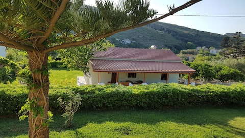 Thalia's Le Petit House in Kolymvari, Crete