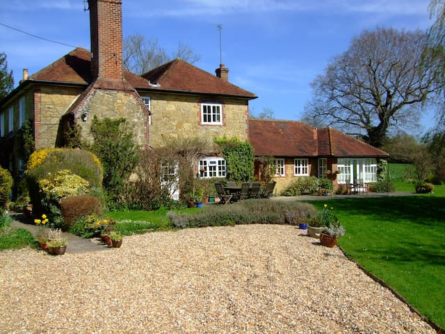 Self contained annex to farmhouse in Surrey Hills - Ewhurst - Daire