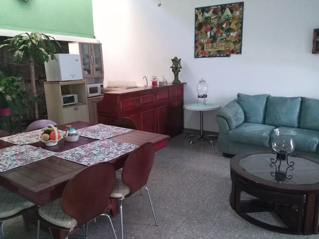 Apartamento Familiar, Paseo Tres Caminos