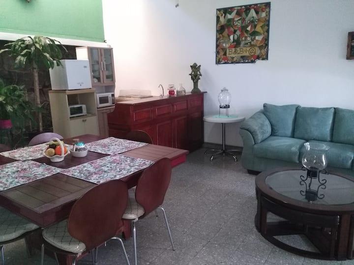 Apartamento Familiar, Paseo Tres Caminos