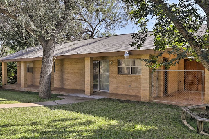NEW! Central 1BR Laredo Guest House w/ Yard!