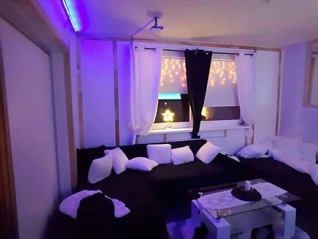 Einzimmerwohnung mit Doppelbett - Sokolovce - Appartement