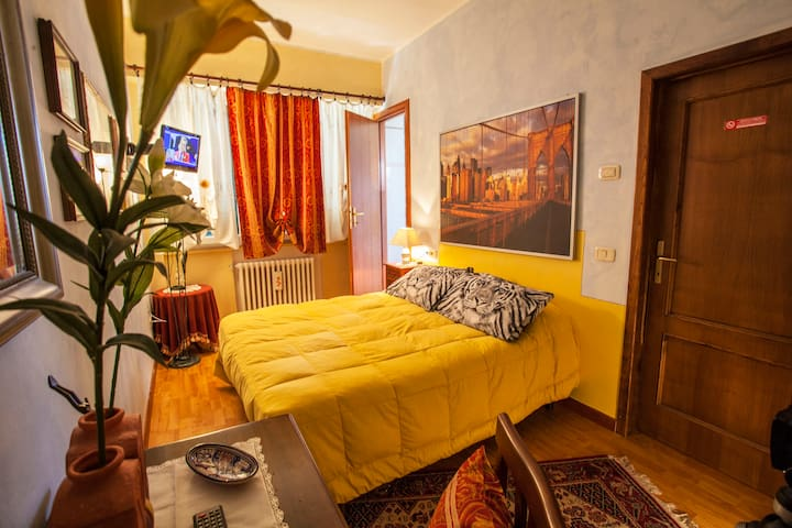 CASAKITA (camera Leana) - Cortona - Bed & Breakfast