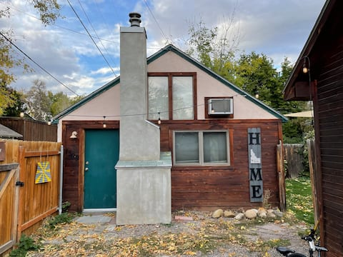 North End studio cottage blocks away from downtown