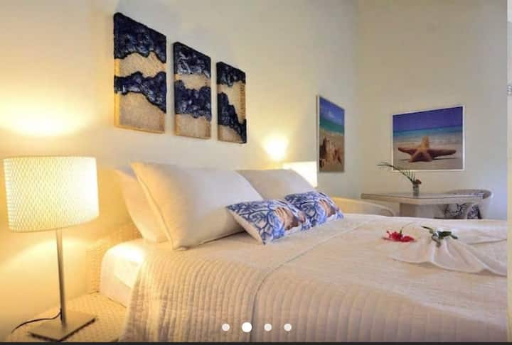 Cosy room in the center of town! Guestroom #3