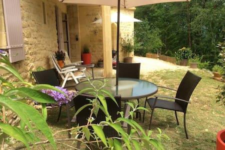 Gîte cosy - Charming cottage à Montignac Lascaux