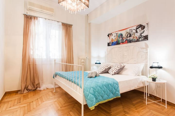 Modern Cute Apt in the Heart of Plaka-AthensCity
