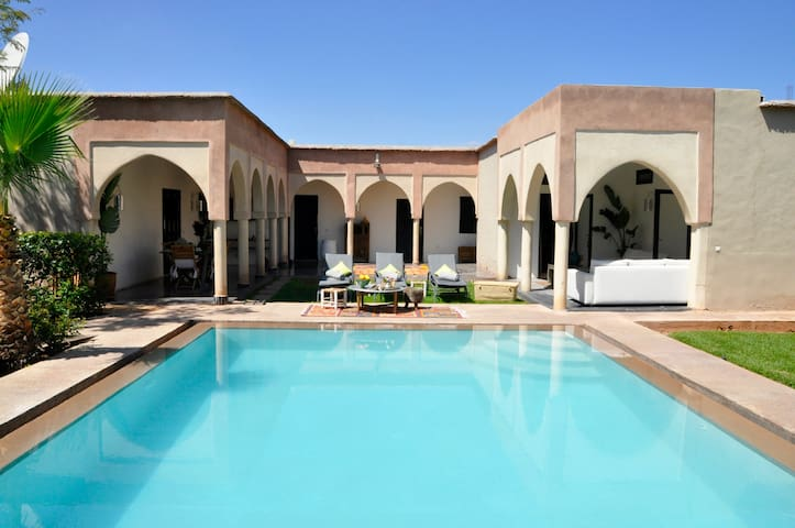 "La Villa du Douar : Chambre double ""Lilas"" - Marrakech - Bed & Breakfast"