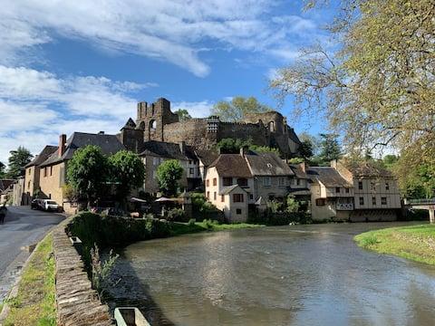 Allotjament amb encant a Ségur le Chateau