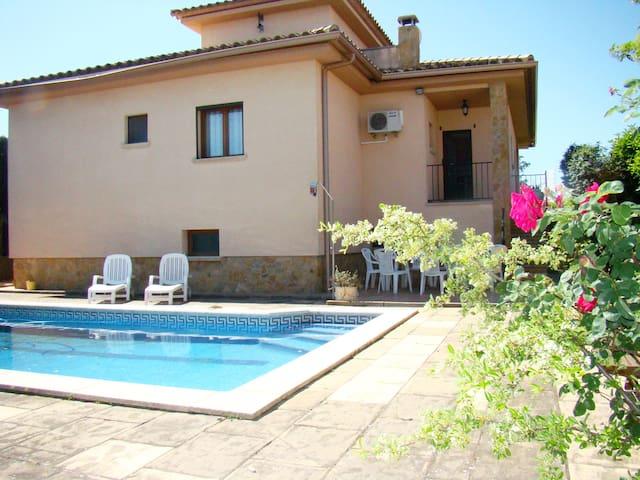 Sunny house with private pool near L'Escala - Viladamat - Dům