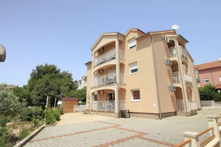 Apartment Sea Breeze A2 kat(2+2) Srima, Riviera Sibenik
