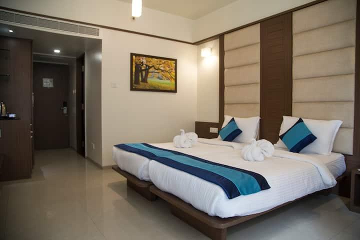 Room near Symbiosis college in Viman Nagar- Wifi