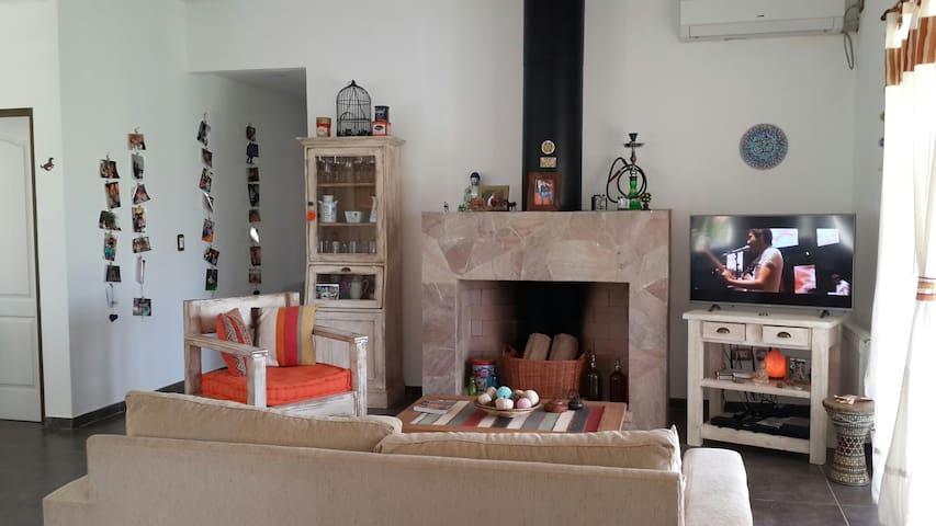 Hermoso lugar para descansar y relajarse - Luján - Huis