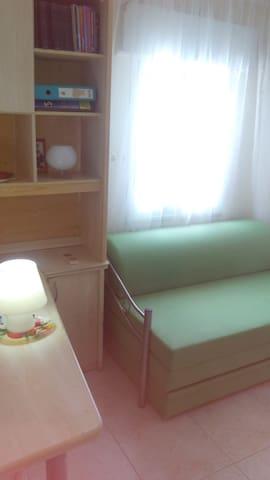 комната в 3-комнатной квартире с видом на море - Akko - Apartment
