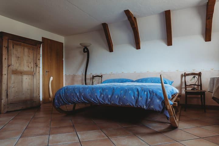 Zimmer mit Schlitten Bett in Escholzmatt