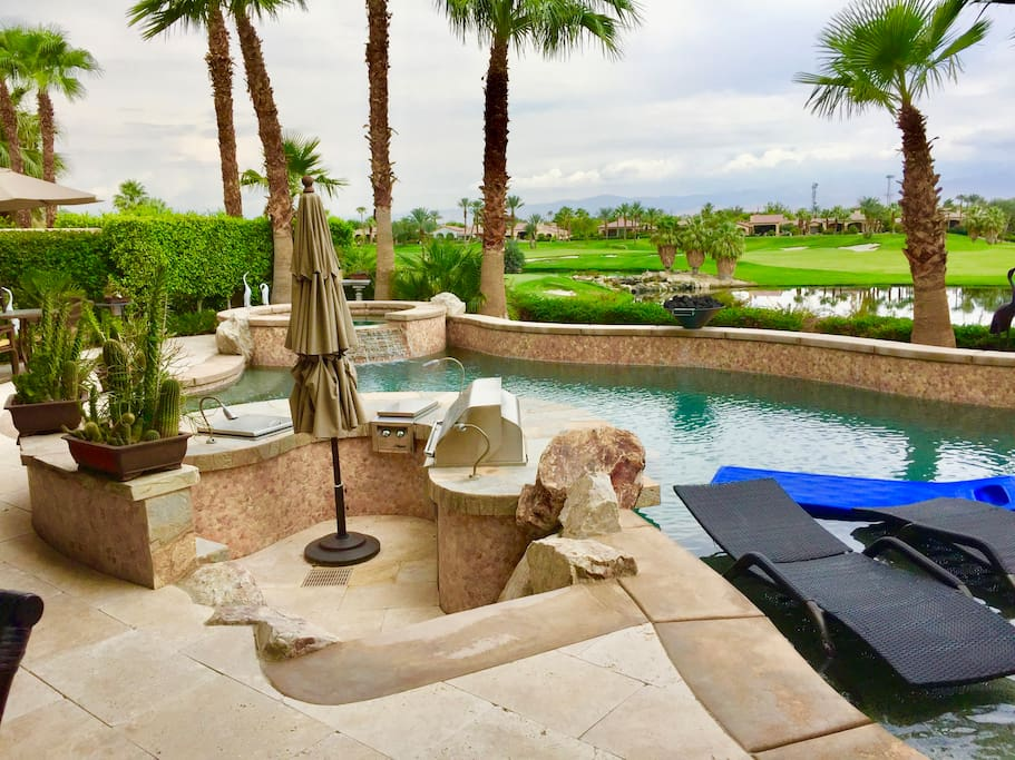 Patio, BBQ, Pool, Spa, Golf Course & Mountains