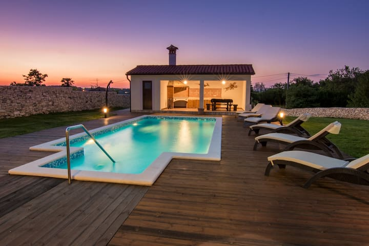 Villa Anica - luxury holiday home - Markoci - Villa