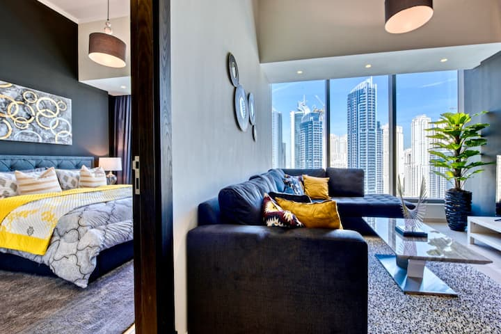 Ultra-Luxurious PENTHOUSE with DUBAI MARINA view