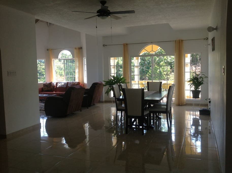This is an open area with living and dinning room