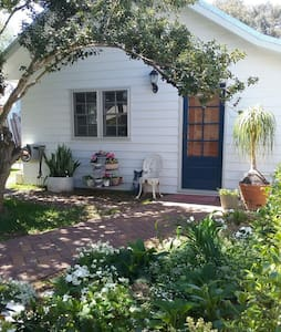 Garden Studio in fabulous location - Windsor