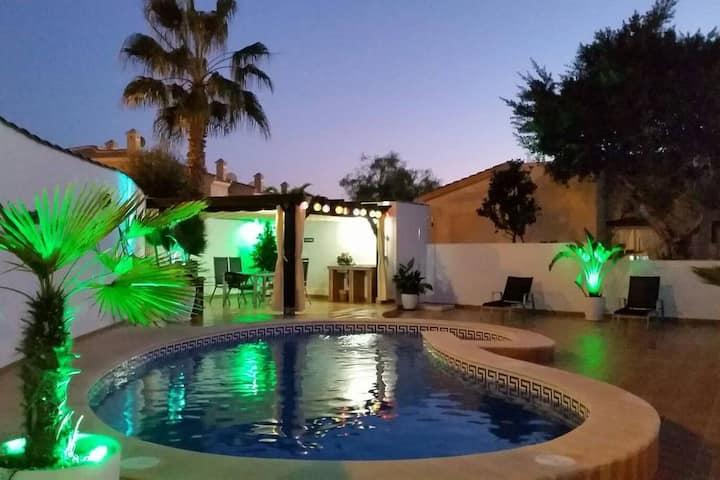 Villa (Quesada, Alicante) Private pool, parking.