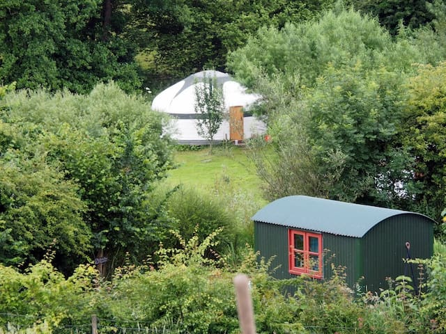 Cotna Eco-Retreat Shepherd's Hut