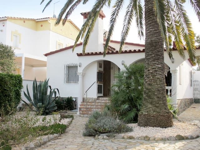 Holiday house in Ampuriabrava