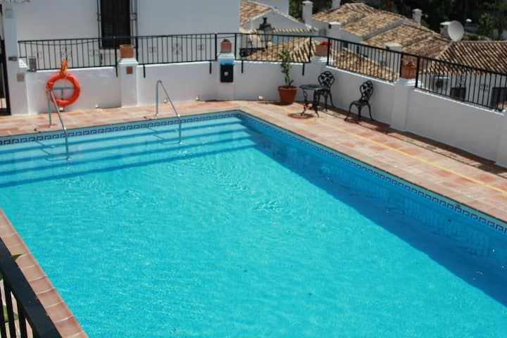 Cosy House in Mijas Pueblo with Comm Pool,sleeps 4