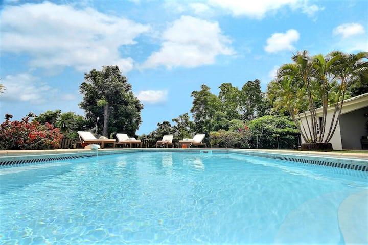 Villa 4 ch, piscine et vue 180° campagne / mer