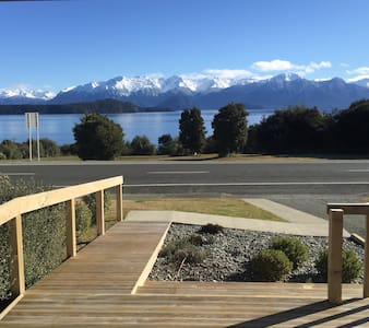 Manapouri lake house