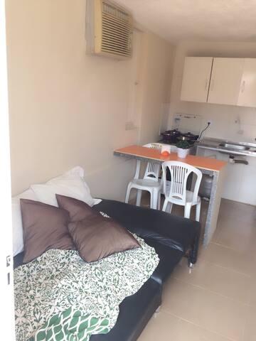 Quarto sala, com cozinha completa em Arembepe - Arembepe - Appartement