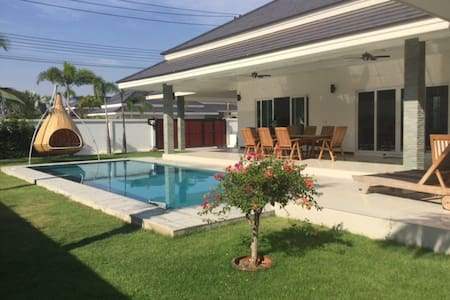 New Pool Villa near Hua Hin and Palm Hills Golf - Cha-am
