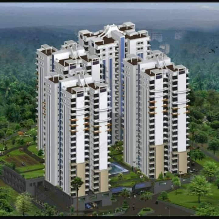 Luxurious Fullyfurnished 3BHK Flat-Hilite Metromax