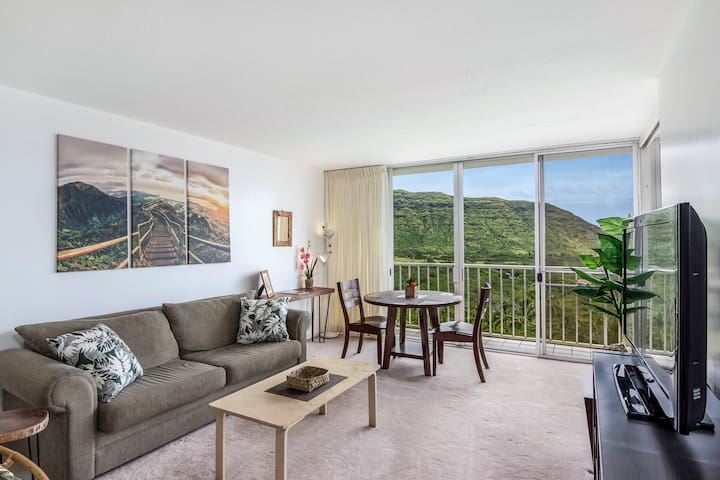 Makaha Valley Condo w/ gorgeous views