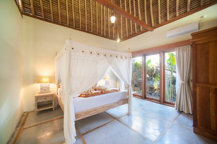Water Garden Suite (1BR) bedroom