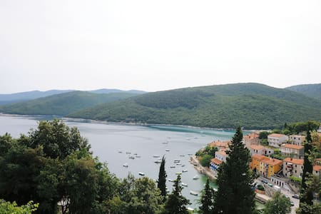 Charming studio apartment next to the sea - Rabac - Wohnung