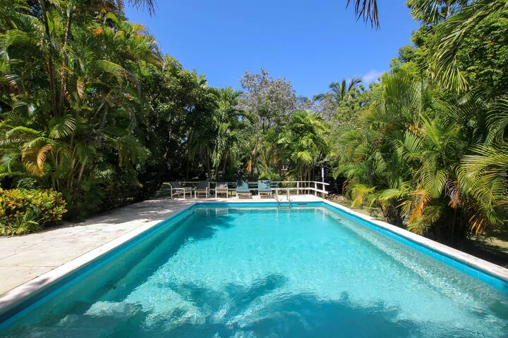 Only 450m to Beach - Gibbes Glade House (3 bed)