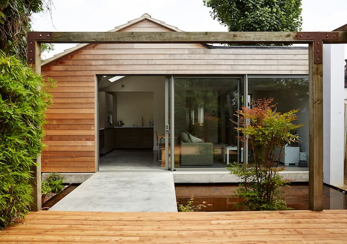 Beautiful contemporary home! - Londen - Huis