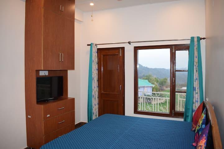 Sidho-aadesh. The Blue Room
