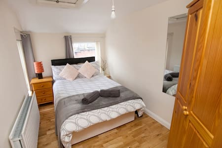 Cosy Modern Flat, 5 min walk to City Center - Londonderry - Wohnung