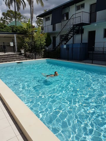 Private flat close to city with pool - Paddington - Apartment