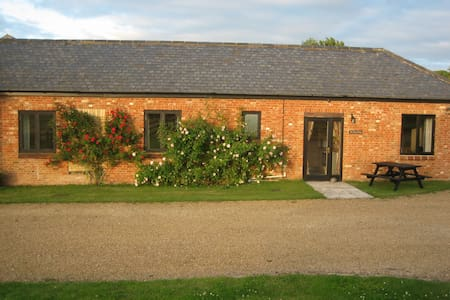 West Wing at Mill Farm Barn - Luxury cottage